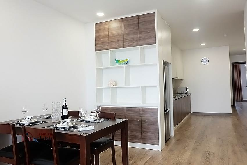 Brand-new serviced apartment in Xuan Dieu, 2 bedrooms, balcony 8