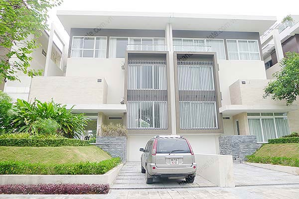 Brand-new, unfurnished 05+1 BRs house to lease at Q block Ciputra, bright and airy. 1