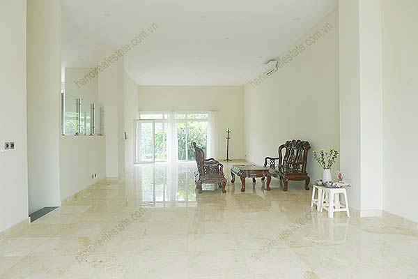 Brand-new, unfurnished 05+1 BRs house to lease at Q block Ciputra, bright and airy. 7
