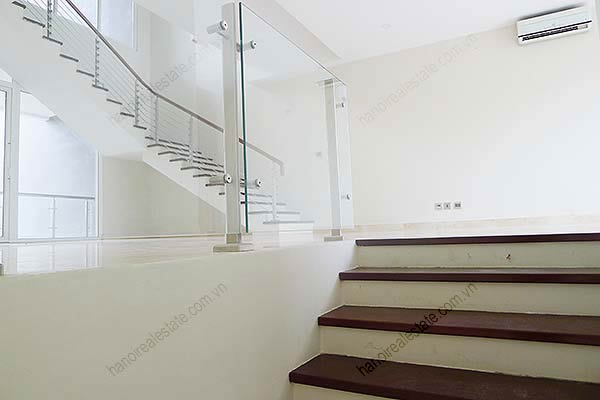 Brand-new, unfurnished 05+1 BRs house to lease at Q block Ciputra, bright and airy. 12
