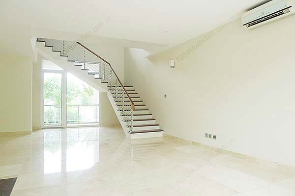 Brand-new, unfurnished 05+1 BRs house to lease at Q block Ciputra, bright and airy. 13