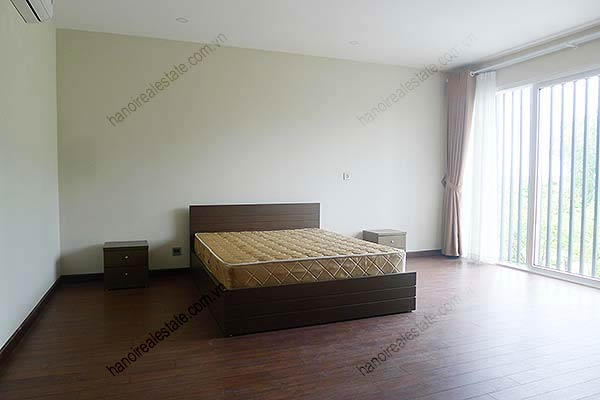 Brand-new, unfurnished 05+1 BRs house to lease at Q block Ciputra, bright and airy. 21
