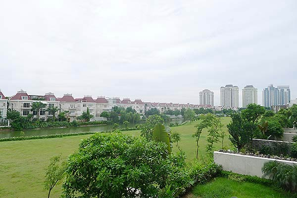 Brand-new, unfurnished 05+1 BRs house to lease at Q block Ciputra, bright and airy. 30