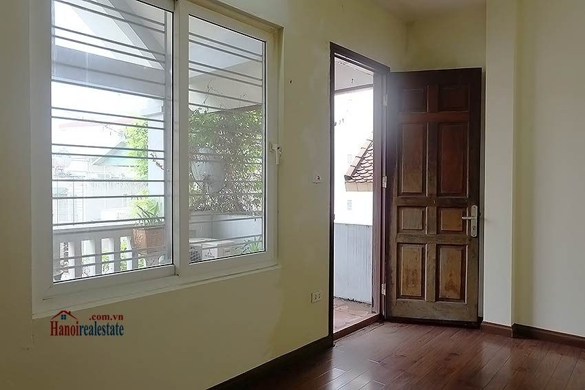 Bright 03BR house for rent in Au Co, Tay Ho Dist 32