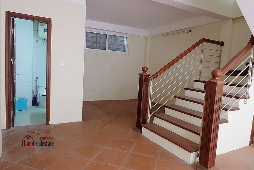 Bright 03BR house for rent in Au Co, Tay Ho Dist 4