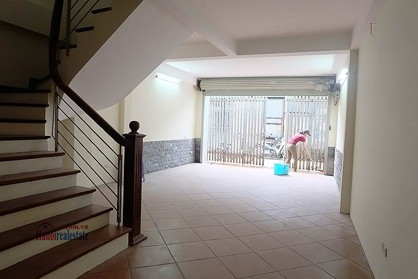 Bright 03BR house for rent in Au Co, Tay Ho Dist 5