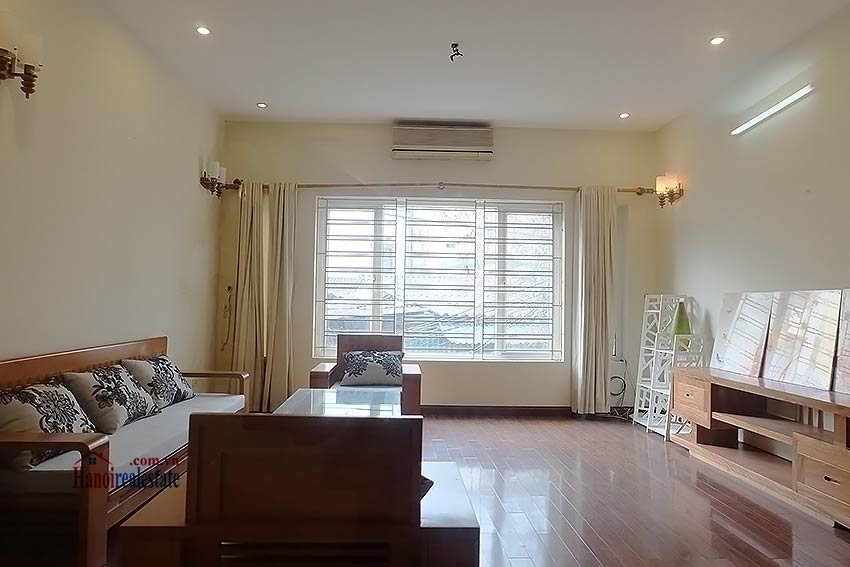 Bright 03BR house for rent in Au Co, Tay Ho Dist 7
