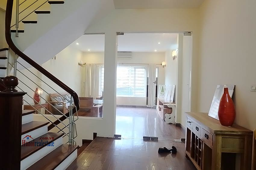 Bright 03BR house for rent in Au Co, Tay Ho Dist 8