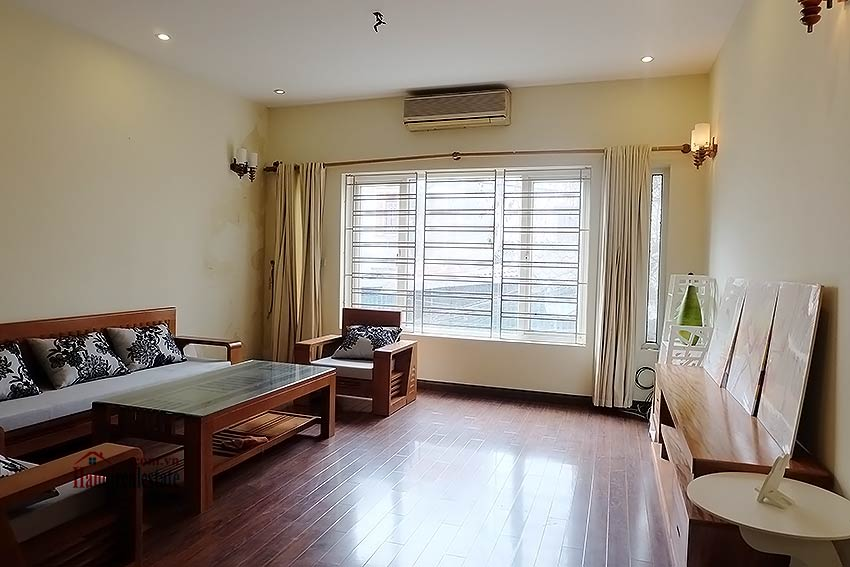Bright 03BR house for rent in Au Co, Tay Ho Dist 9
