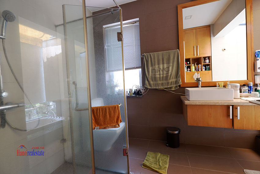 Bright 04BRs house for rent in quiet T8 Ciputra 11