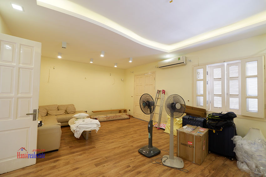 Bright 04BRs house for rent in quiet T8 Ciputra 13