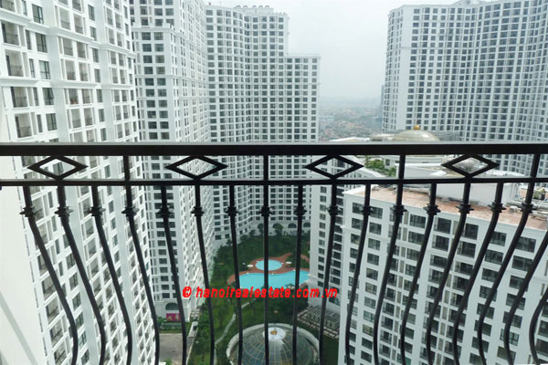 Bright & airy 2 bedroom apartment at Royal City Hanoi for lease 7