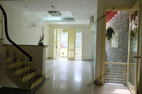Bright, airy, beautiful house for rent in Tay Ho district 12