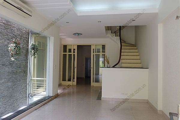 Bright, airy, beautiful house for rent in Tay Ho district 16