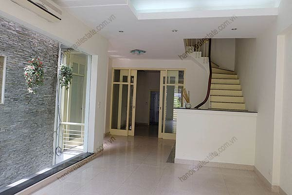 Bright, airy, beautiful house for rent in Tay Ho district 19