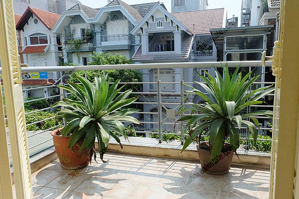 Bright, airy, beautiful house for rent in Tay Ho district 35