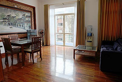 Bright and airy 01BR apartment for rent in Kim Ma, fully furnished