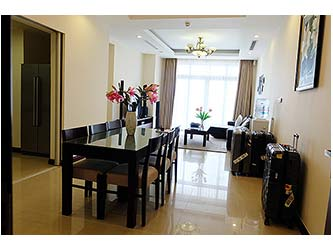 Bright and airy 03BRs apartment to lease at Royal City with full furniture