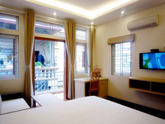 Bright and airy apartment for rent in central Hai Ba Trung District Hanoi