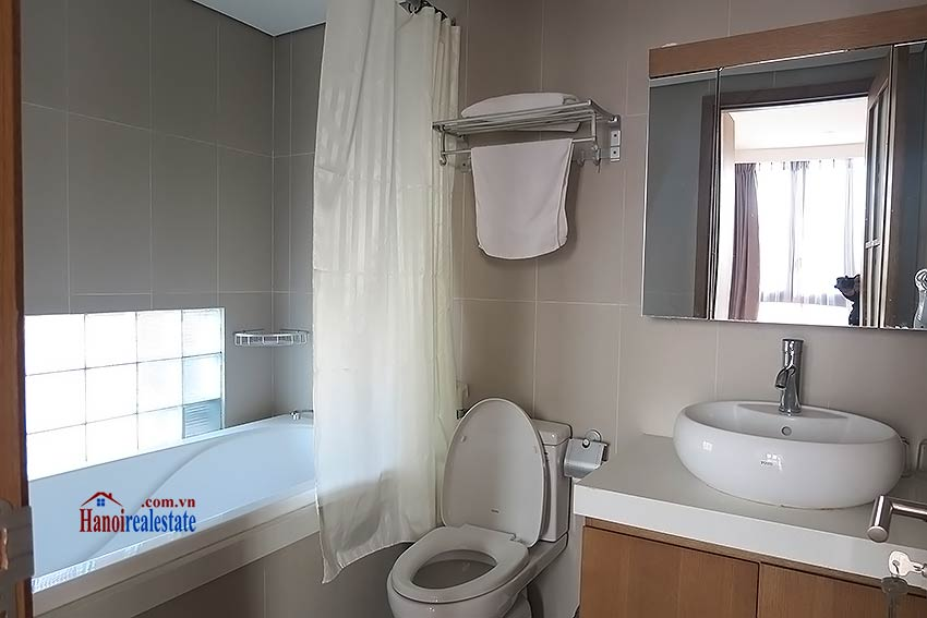 Bright and airy serviced studio in Dao Tan, Ba Dinh Dist 5