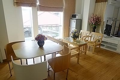 Bright and ariy 1BR apartment for rent in Lang Ha, Dong Da Dist