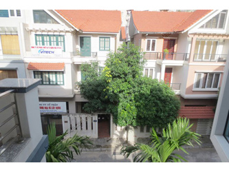 Bright, modern house for rent in Cau Giay District, Ha Noi