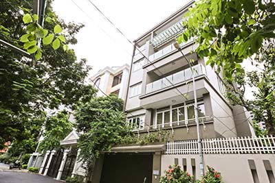 Bright Modern House for rent in Tay Ho, Garden & Elevator