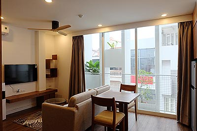 Bright studio apartment for expert in Ba Dinh, Dao Tan street