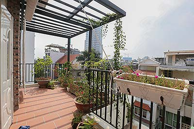 Poetic balcony apartment for rent on To Ngoc Van, Street view