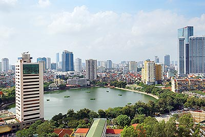 Lancaster: Ngoc Khanh lake view 02BRs serviced apartment on high floor