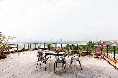 Fabulous Penthouse with lakeview & spacious terrace to rent on Quang Khanh