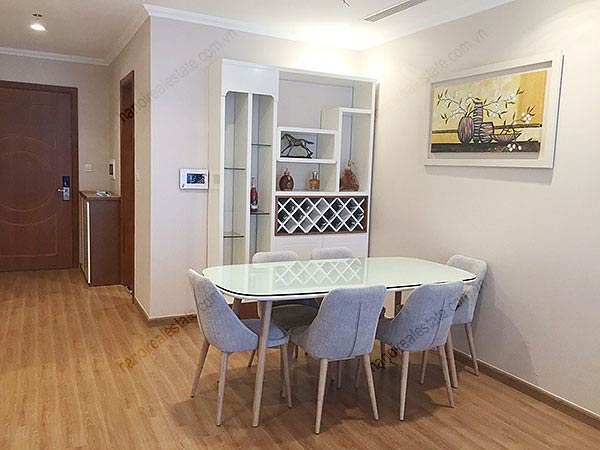 Charming 02BRs apartment for rent at Vinhomes Nguyen Chi Thanh, bright and fully furnished 3