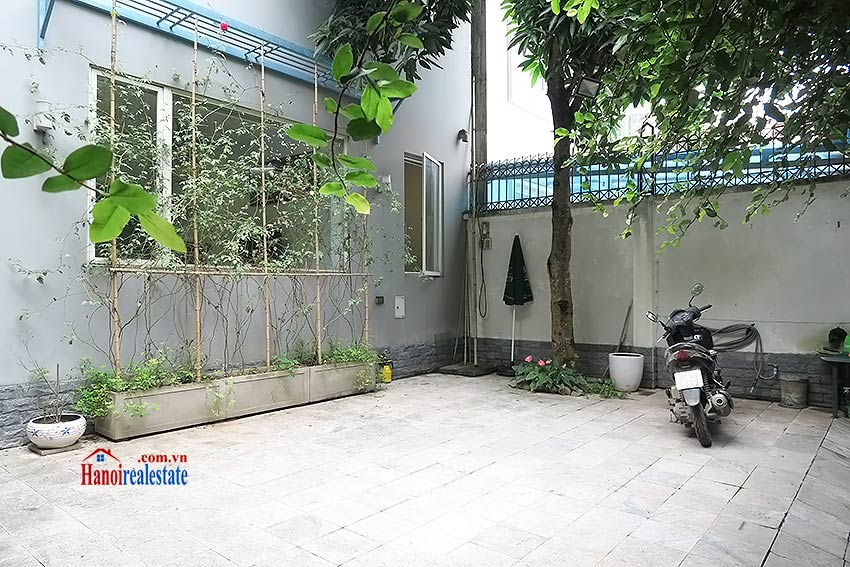 Charming 03 bedroom house to let in Tay Ho, surrounding garden and fully furnished 2