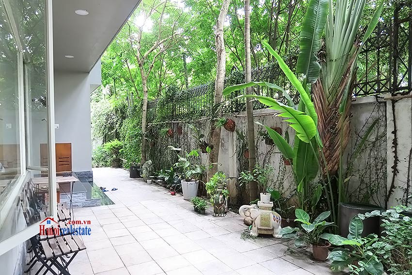 Charming 03 bedroom house to let in Tay Ho, surrounding garden and fully furnished 4