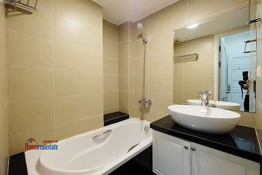 Charming 2 bedroom apartment to lease in Hoan Kiem, short walk from Opera House 7