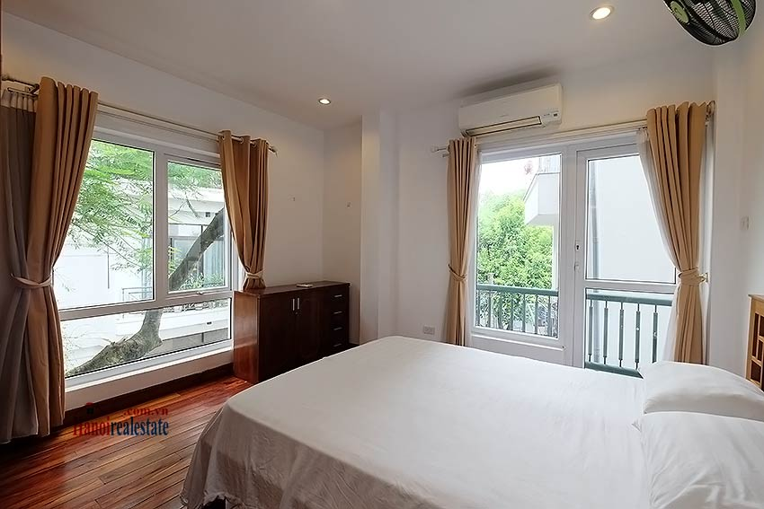 Charming 2-bedroom apartment to rent on Nam Trang, Truc Bach 6
