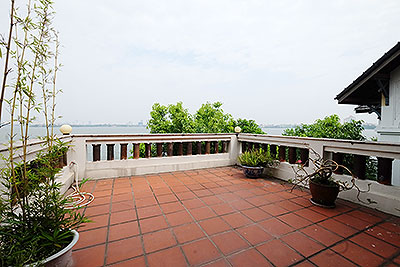 Charming 3-bedroom house with lake view & garden to rent in Tay Ho, Hanoi