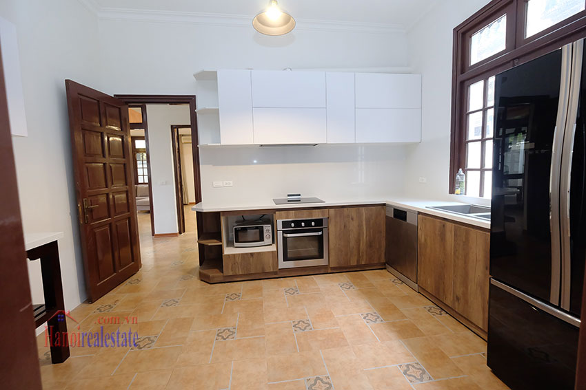 Charming 3-bedroom house with surrounding courtyard in Tay Ho 14