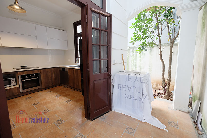 Charming 3-bedroom house with surrounding courtyard in Tay Ho 15