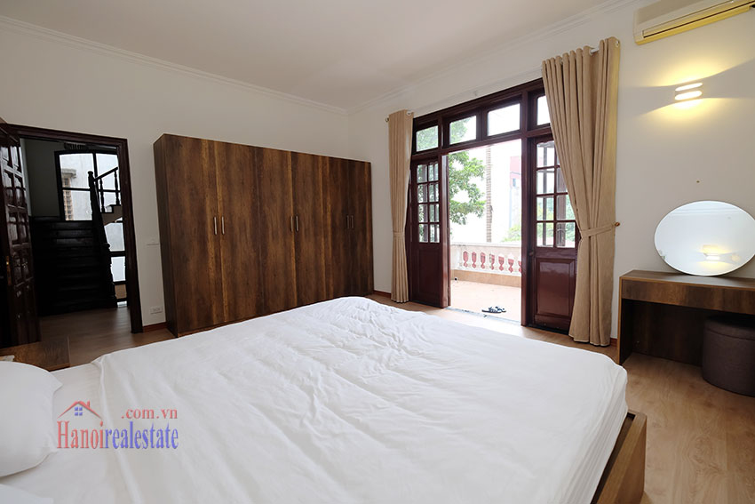Charming 3-bedroom house with surrounding courtyard in Tay Ho 18