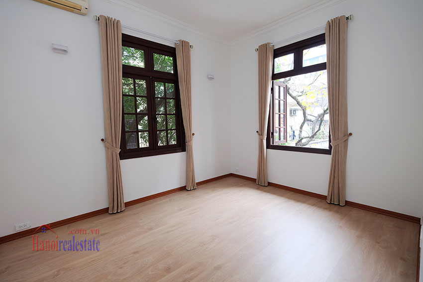 Charming 3-bedroom house with surrounding courtyard in Tay Ho 20