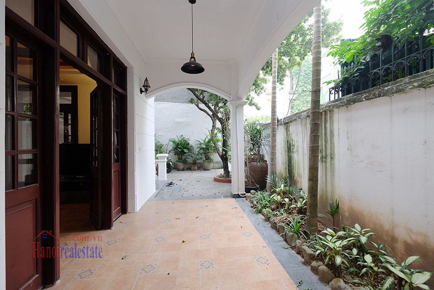 Charming 3-bedroom house with surrounding courtyard in Tay Ho 5