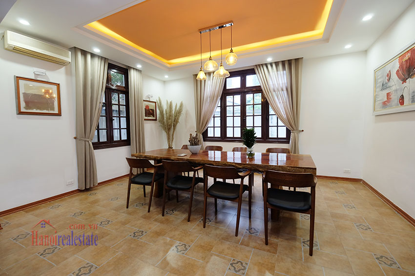 Charming 3-bedroom house with surrounding courtyard in Tay Ho 9