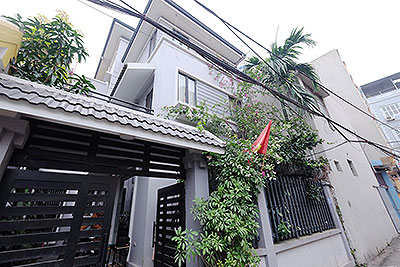 Charming house with courtyard for rent in An Duong Vuong, Tay Ho