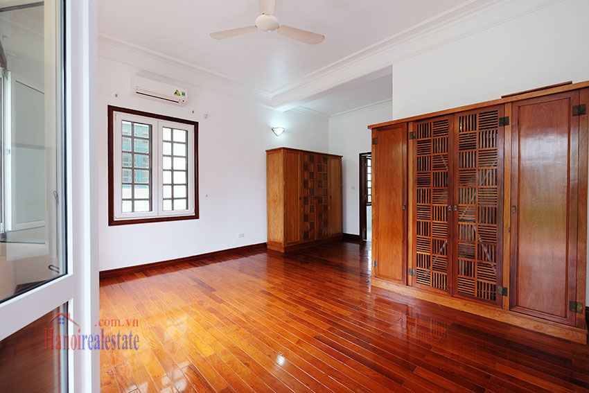 Charming house with large front courtyard on To Ngoc Van 18