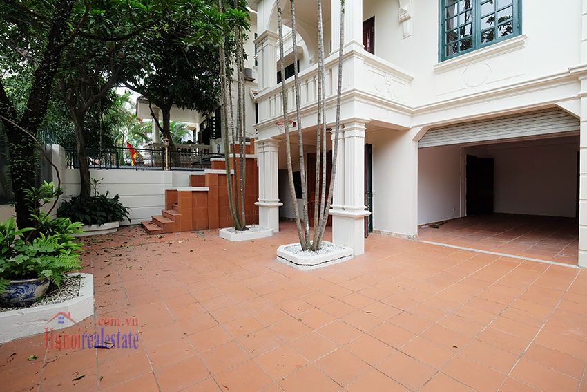 Charming house with large front courtyard on To Ngoc Van 3