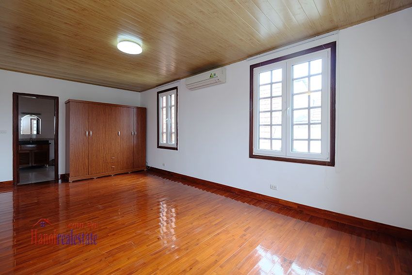 Charming house with large front courtyard on To Ngoc Van 30