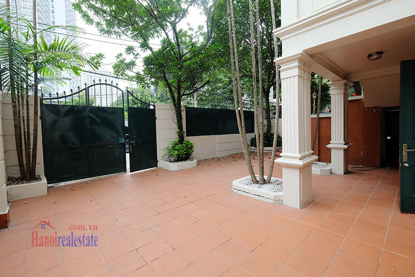 Charming house with large front courtyard on To Ngoc Van 4