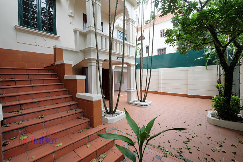 Charming house with large front courtyard on To Ngoc Van 5