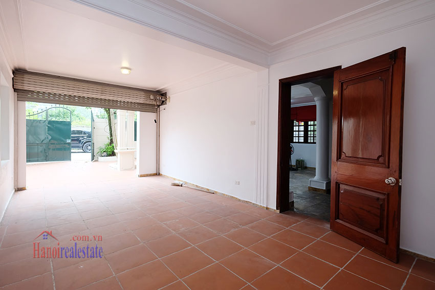 Charming house with large front courtyard on To Ngoc Van 7